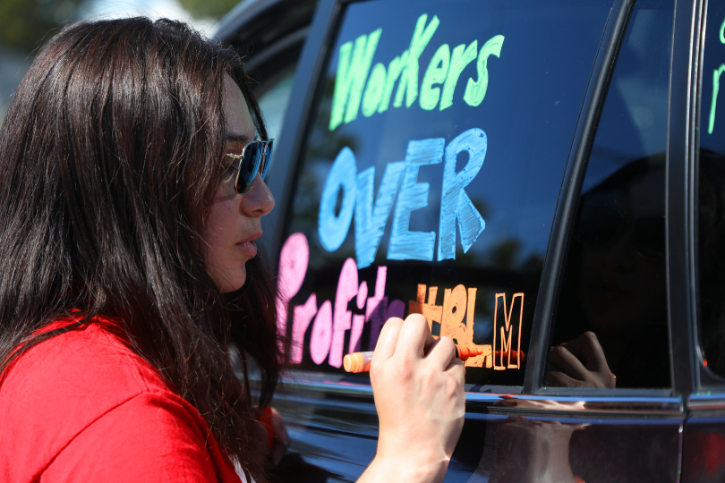East Bay Times – Oakland protesters hold caravan to rally for workers rights