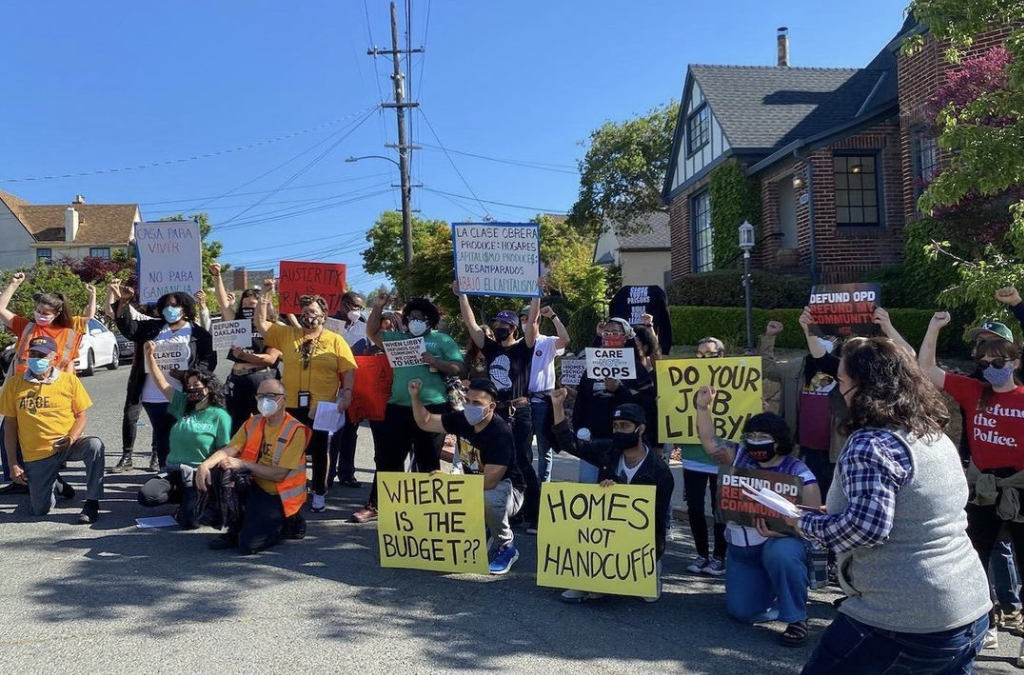 94.1 KPFA: On the ground with protesters outside Oakland Mayor Schaaf's home